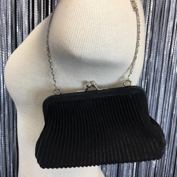 Valerie Stevens Handbags - NWOT Valerie Stevens Black Snap Evening Bag